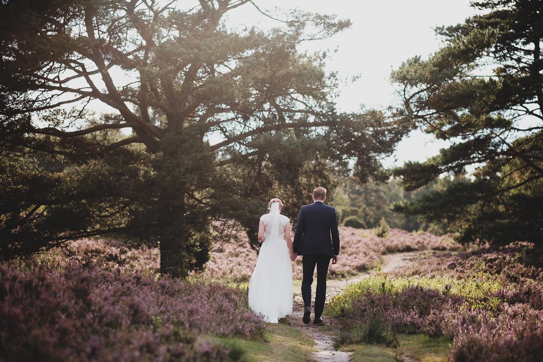 Scheib Hochzeitsfotografie Brautpaar Lüneburger Heide