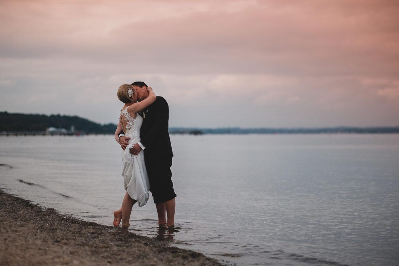 Brautpaar am Strand Sonnenuntergang
